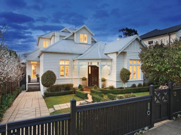 Weatherboard beach house plans home design and style for Modern weatherboard home designs