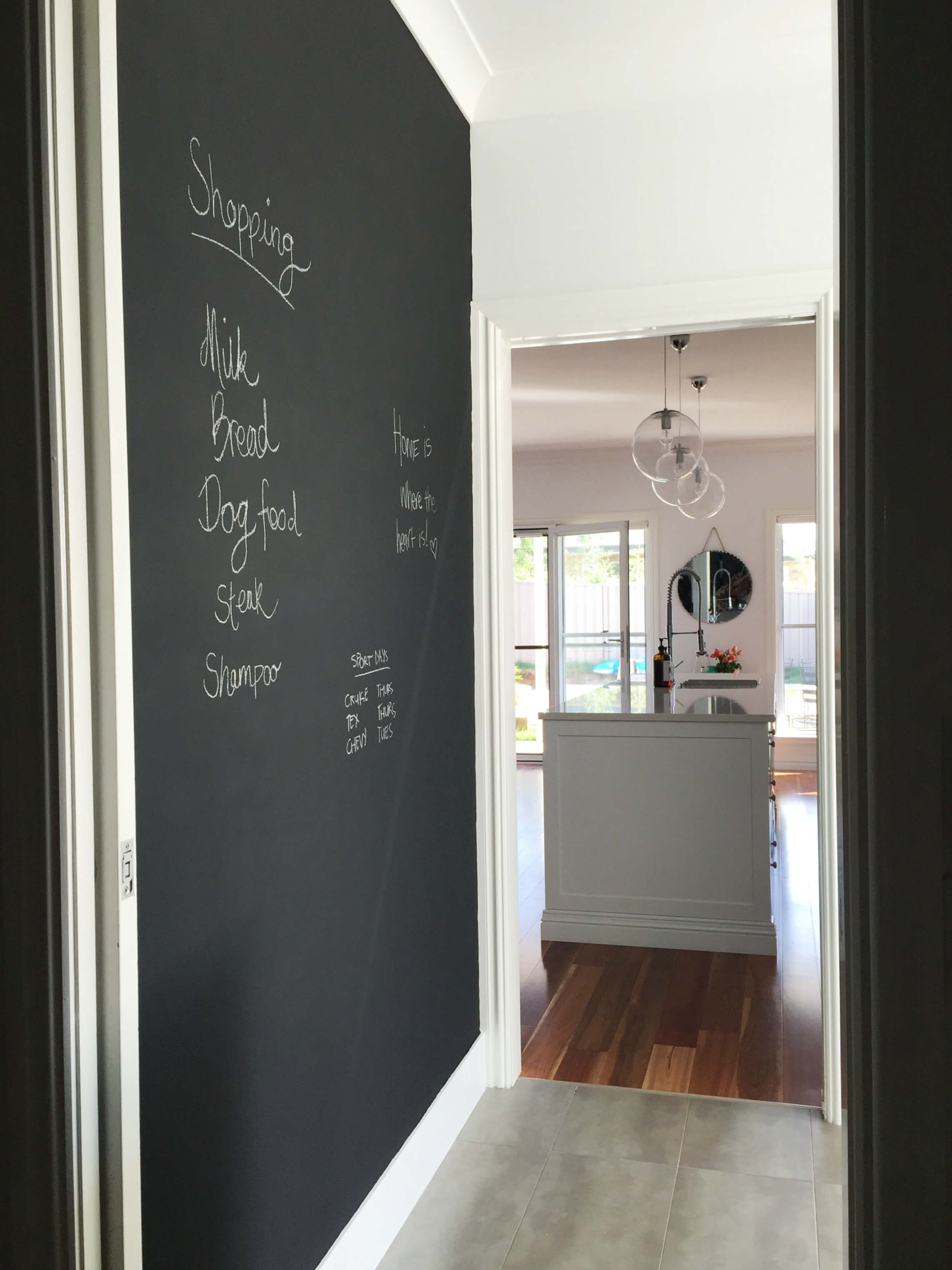 DIY: Chalkboard wall in the laundry