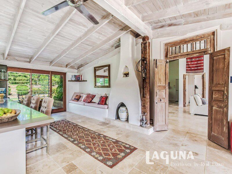 Stunning Sunday Exclusive Resort Style Residence For Sale