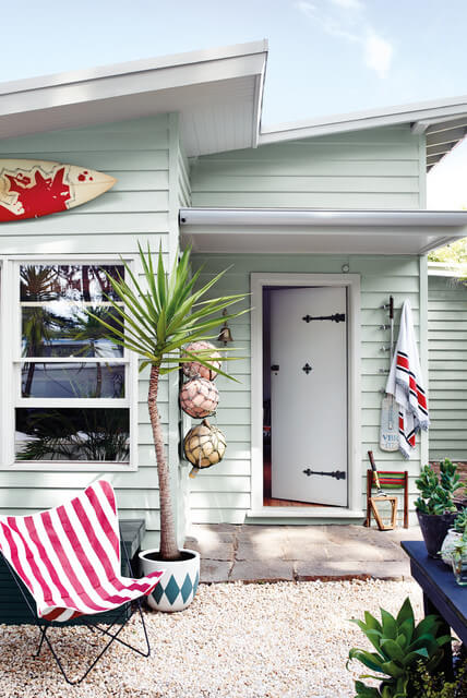 10 weatherboard house colours for 70s house exterior makeover australia