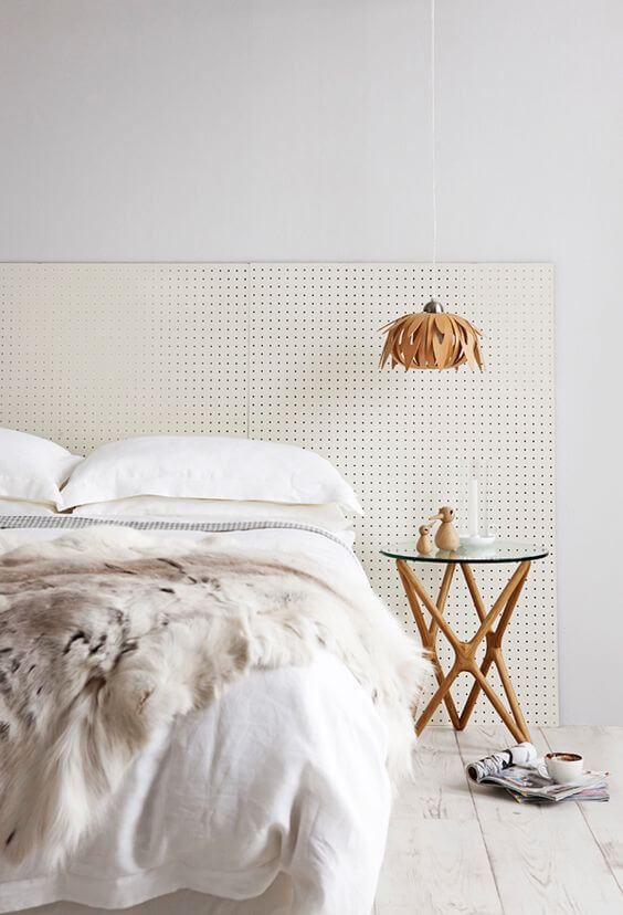 Pegboard \u2013 I don\u0027t think you\u0027ll get much easier! Just buy a few panels and prop up behind your bed. We\u0027ve seen this idea around many times before ... & 5 DIY bedhead ideas