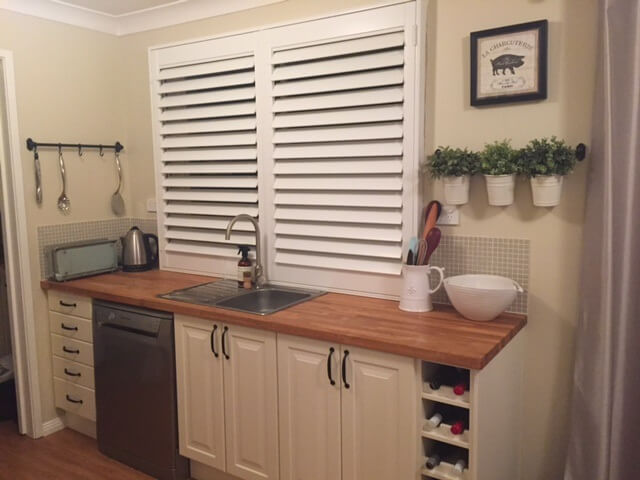 plantation-shutters-kitchen